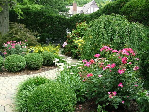 Perennial gardens natorps for Perennial landscape design