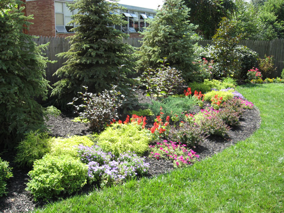 Perennial gardens natorps for Landscaping with perennials designs